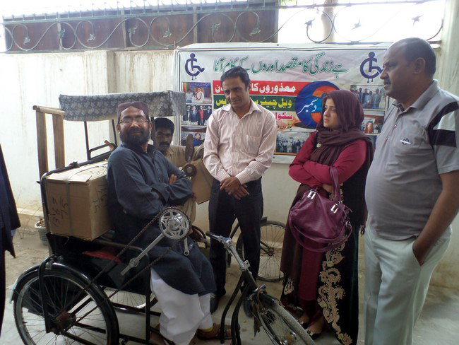 ITA distributes stitching machines among special persons